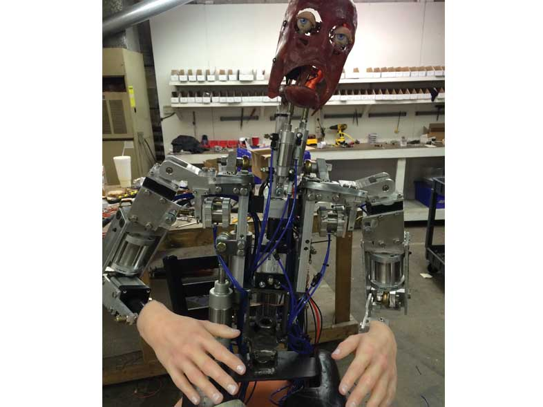naked-animatronic-2