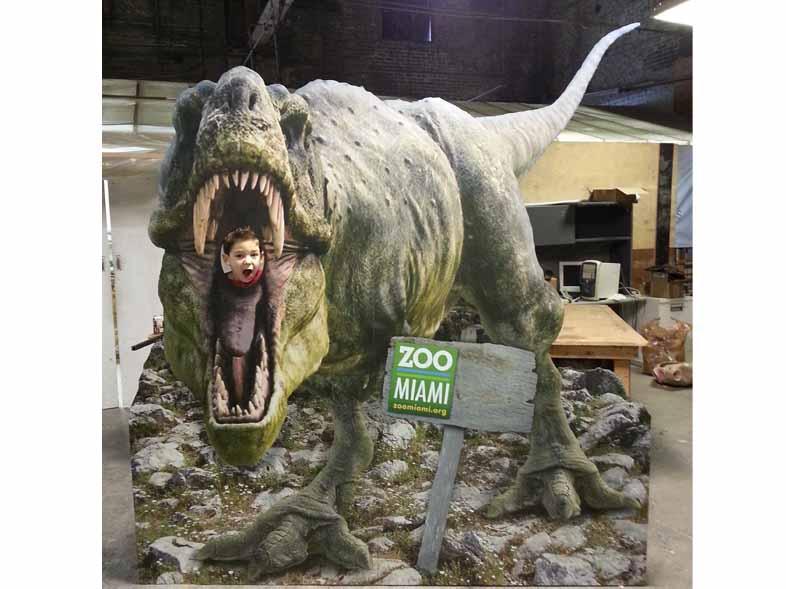 dinosaur-photo-op