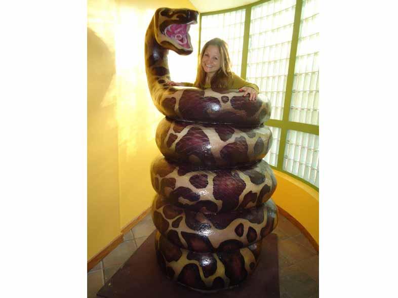 zoo-snake-photo-op